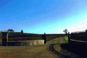 Entrance in Limestone