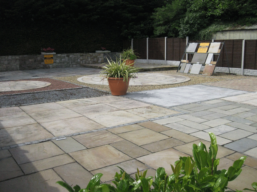paving-and-patio-display-at-kilkea-stone-yard_2278-900x675
